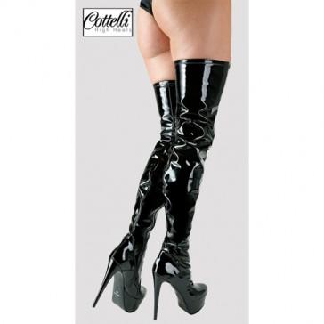 Stivali in vinile nero sopra ginocchio